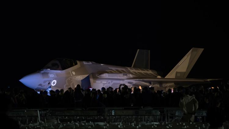Золотые самолеты: как США превратили разработку F-22 и F-35 в частную кормушку