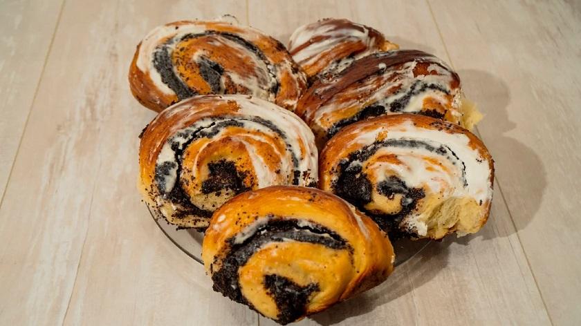 Маковые булочки на дрожжевом тесте: королевский десерт