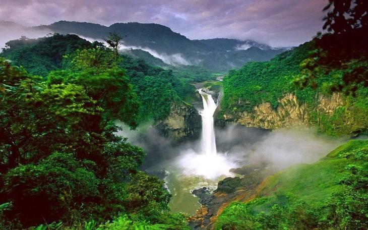 Водопад СанРафаэль Эквадор. Каякам здесь не место. Самые причудливые и величественные водопады планеты. Фото с сайта NewPix.ru