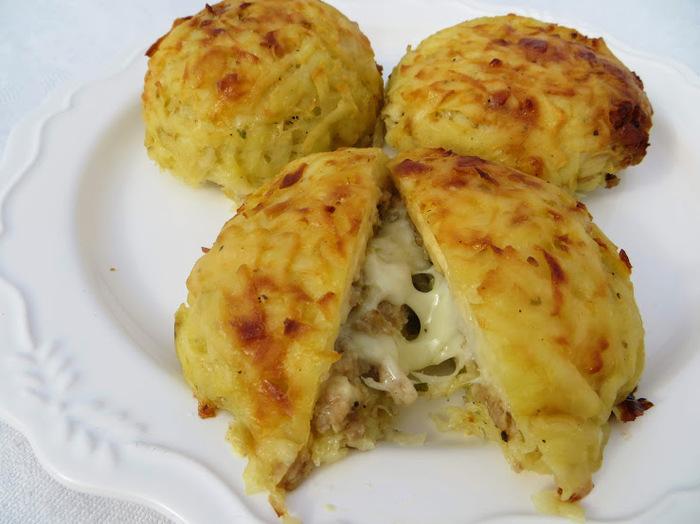 Вариант с картошкой, мясом и сыром (средняя сложность) Картофель, Мясо, Сыр, Фарш, Приготовление, Вкусно, Просто, Рецепт, Видео, Длиннопост
