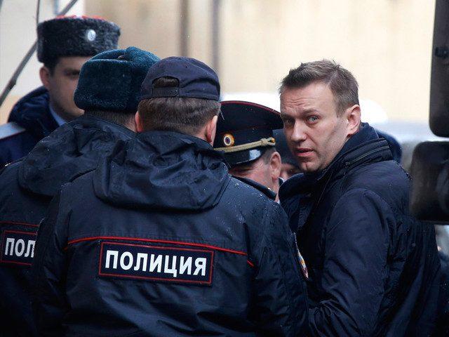 Навальный приговорён к штраф…
