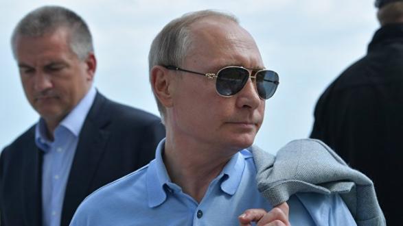 Украина выразила протест в связи с поездкой Путина в Крым