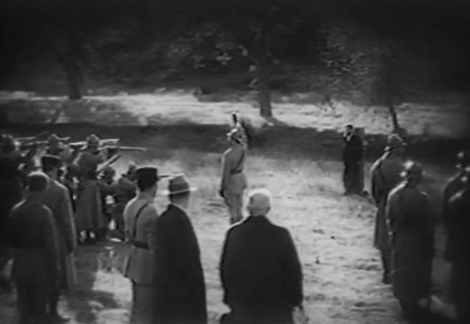 Французы расстреляли красавицу...( 4 фото )