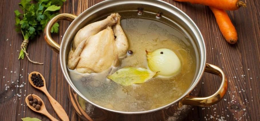 Бульон – вредный и ядовитый продукт или полезное и даже лечебное блюдо?
