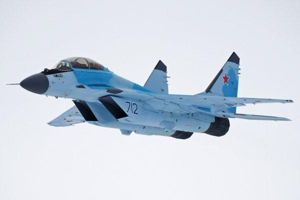 МиГ-35 встает на крыло