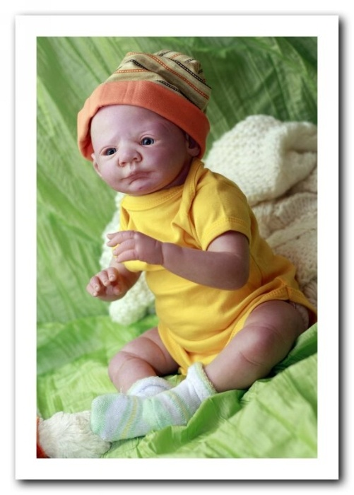 Прожектор Евы.Ру: имитация ребенка: <b>Скажите, пожалуйста, а к вам обращаются с просьбой сделать кукол – копий живых детей?</b> Заказы еще не делала, а с фотографий леплю сама. Я еще учусь.