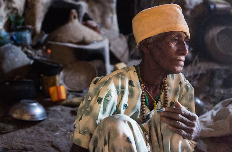 О жизни в пещере и оптимизме. Правила жизни эфиопской отшельницы