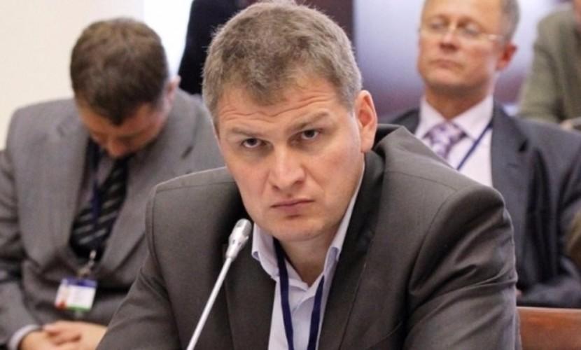 Парламентарий-коммунист предложил отменить огромные доплаты к пенсиям сенаторов и депутатов