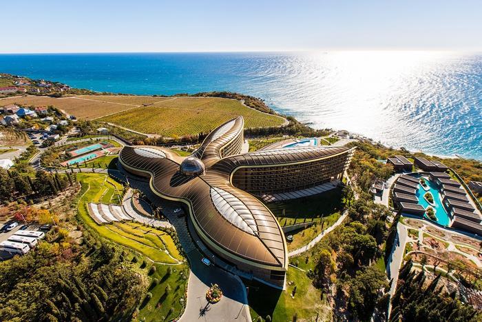 Крымский курортный комплекс завоевал две самых престижных премии в сфере туризма