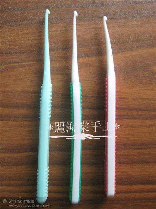 Крючок из зубной щетки