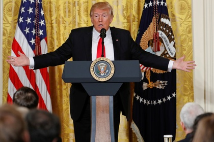 Опрос показал падение рейтинга Трампа