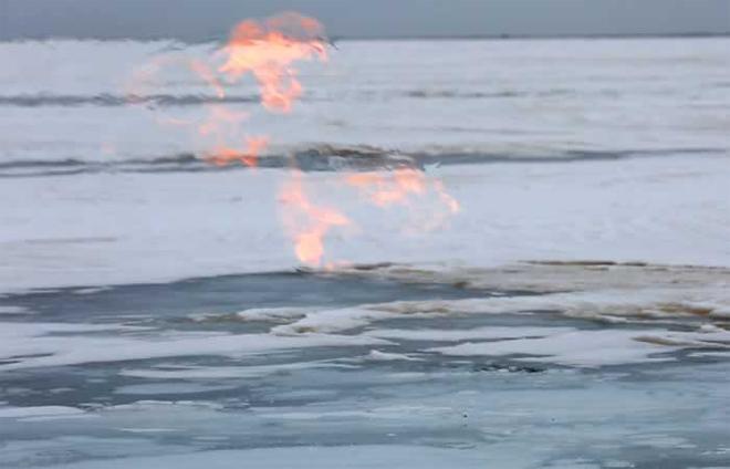 Горящие льды Байкала на видео