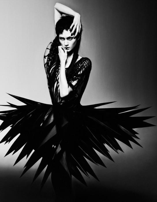Острые перья. Модное фото от фотографа Елизаветы Породиной (Elizaveta Porodina).