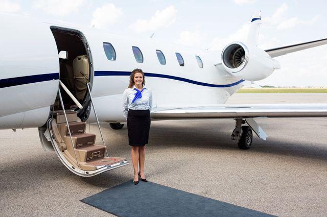 «Здесь нельзя говорить нет»: исповедь стюардессы бизнес-авиации