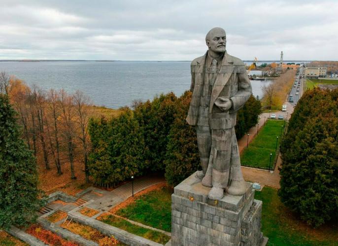 «Левый поворот» Путина: игра или неизбежность?