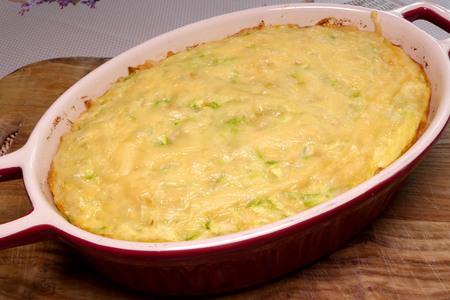 Фото к рецепту: Запеканка из кабачков