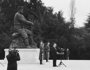 Путин открыл памятник Александру III в Ялте