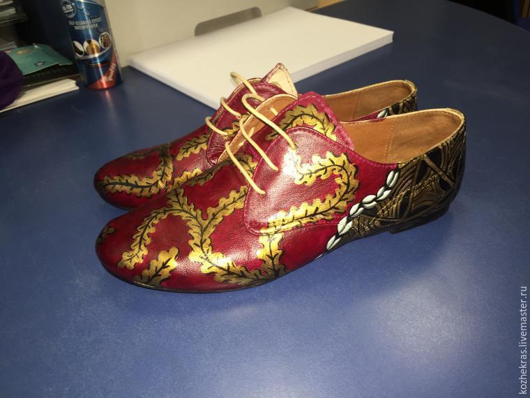 Роспись обуви акриловыми красками