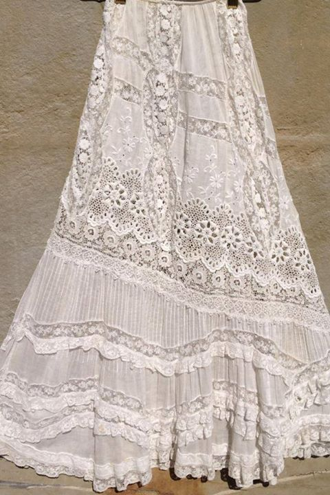 Love this skirt! Vintage white all over embroiderery Bonnie Strauss Clothing and Jewelry: