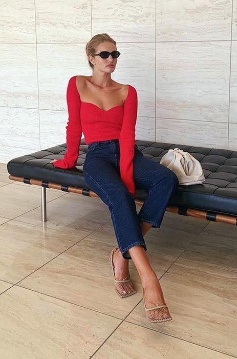 С чем носить узкие джинсы, чтобы не выглядеть старомодно