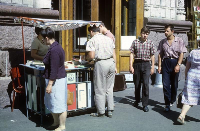 Какие были зарплаты в СССР в пересчёте на сегодняшний ден СССР, истории, ностальгия, факты