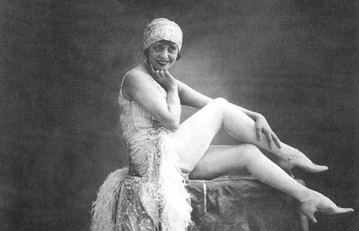 Мистангет - звезда Мулен Руж с самыми дорогими ногами в Париже