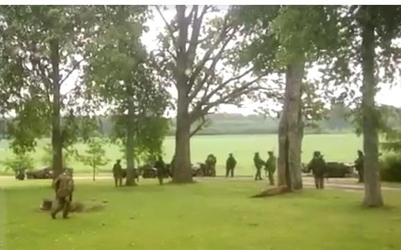 Блок НАТО провёл учения прямо водворе ужителя Латвии