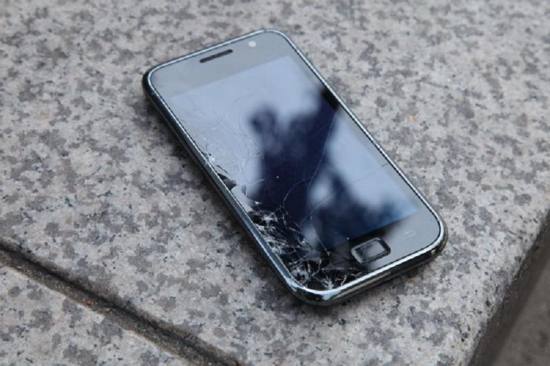 Забудь, что такое поцарапанный экран: эти 6 способов моментально уничтожат царапины!