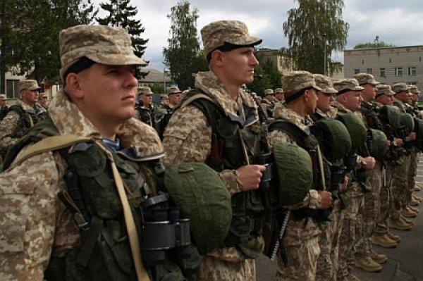 Порошенко профинансировал России содержание семи дивизий