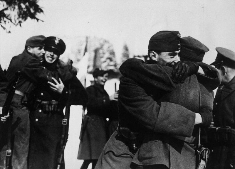 Как польско-венгерско-германские танковые клинья расчленили Чехословакию