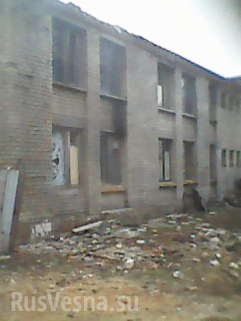 Украинские военные превратили детский лагерь в руины после своего «пребывания» на Донбассе