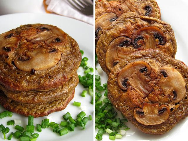 Печеночные оладьи с грибным припеком