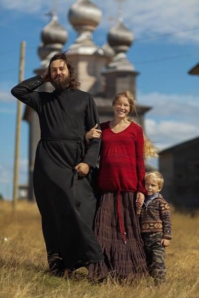 семья,                                                                                                                священник,                                                                                                                храм