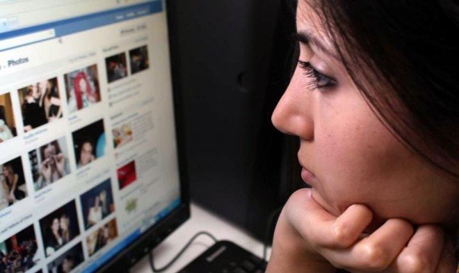 Facebook задействует искусственный интеллект для пресечения трансляции самоубийств