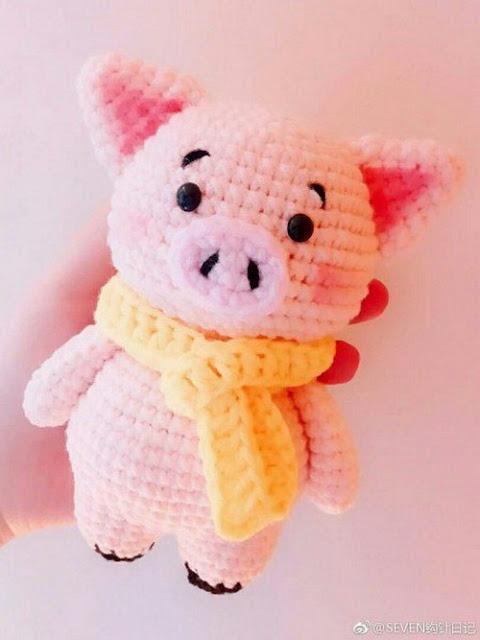 Милая вязаная свинка - Симво…