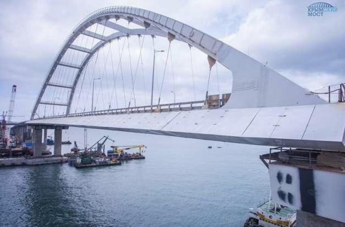 На Украине прозрели: Крымский мост существует… и «уже разрушается»