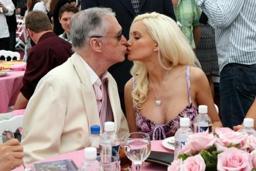 Запоздалая любовь: 73-летний мужчина встречается с 28-летней девушкой.