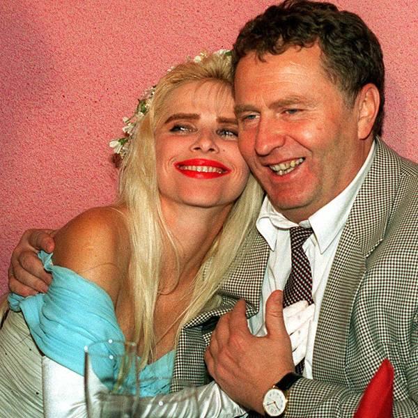Владимир Жириновский и Чиччолина. 1995 год.