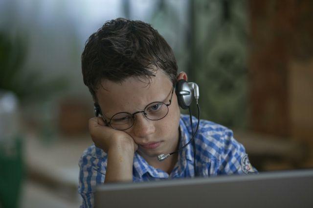 Компьютер, по словам офтальмолога, безопаснее для детей, чем смартфоны и планшеты, из-за более крупных изображений.