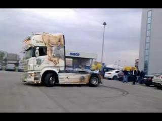 Супер дрифт на фурах и грузовиках