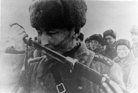 Какие народы России не сдавались в плен?