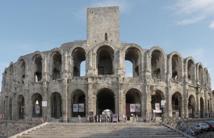 Амфитеатр в Арле, Франция.  Фото: en.wikipedia.org.