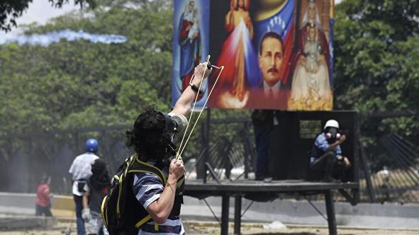 Фальшивый президент, настоящие санкции. Как живет Венесуэла