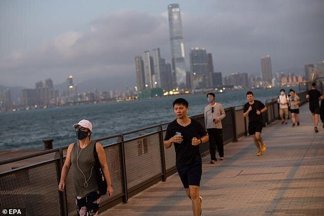 Почему нельзя надевать медицинскую маску во время бега