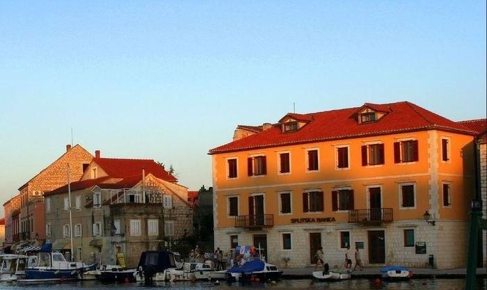 Стари-Град