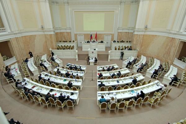 Петербургский парламент снова проигнорировал тему Исаакия