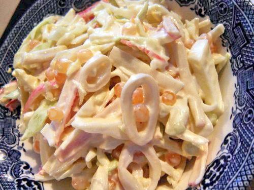 Салат из кальмаров с яйцом