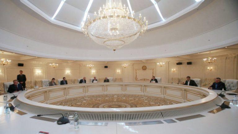 Украинская делегация была ошарашена шагом ЛДНР и решила взять паузу