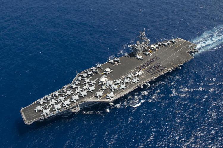 Авианосная ударная группа США вошла в Южно-Китайское море