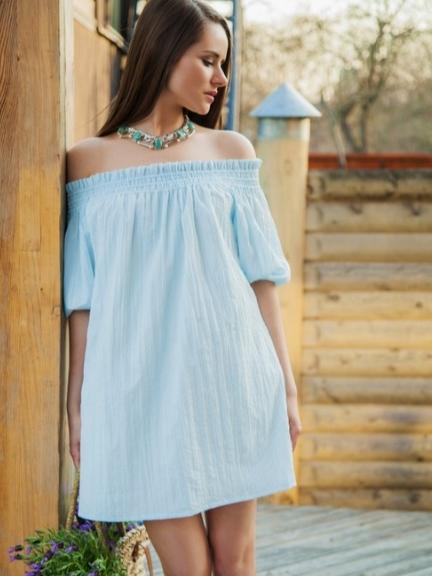 Платье на резинке на плечах